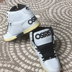 Osiris NYC 83 vintage light grey. Like new!